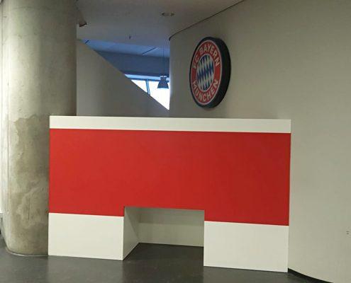 FC Bayern Scheibe montiert
